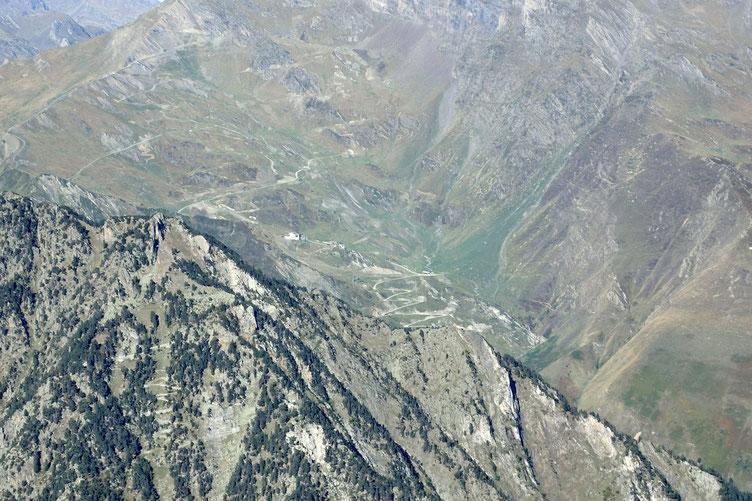 La station de ski de Cauterets, toujours au zoom.
