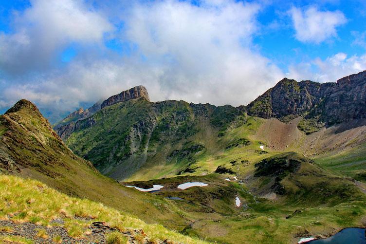 Le Pic de la Latte de Bazen (2469m).