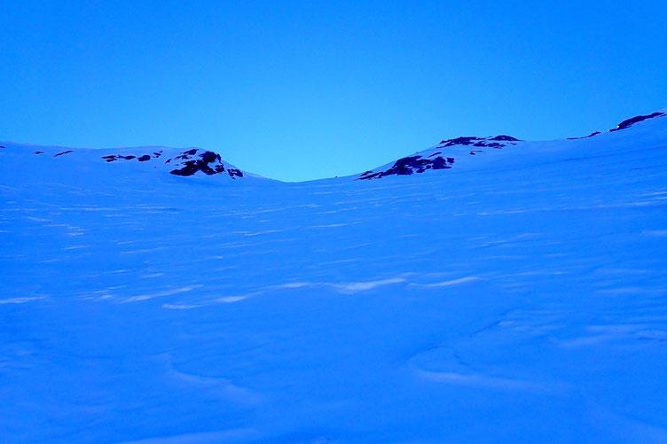La neige devient de plus en plus dure...