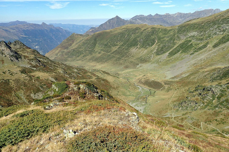 Belle vue de la vallée depuis le mamelon.