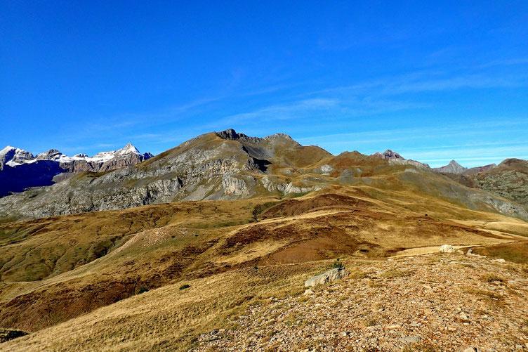 Le Pico de Las Très Guegas et sa crête faite au printemps dernier.