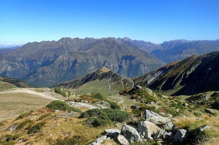 Vers le Tourmalet et le Pic du Midi.