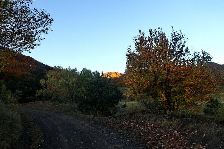 Droit devant, le Pico de la Tosquera, objectif du jour.