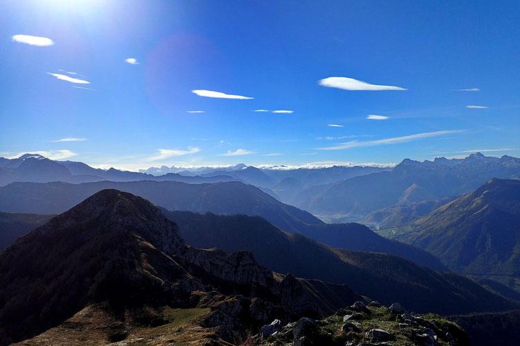 Le Pic d'Andurte (premier plan à gauche).