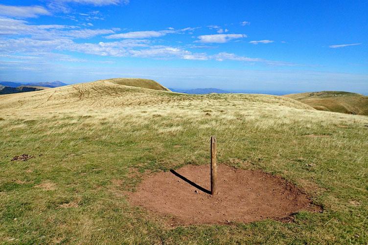 Dernier point haut (1610m), sans nom.