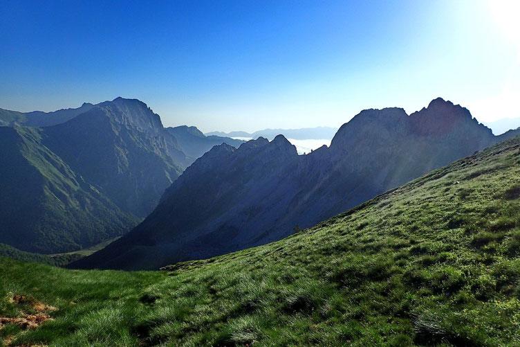 Côté français, de gros nuages dans la vallée d'Aspe.
