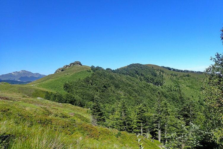 Le Col de Lacurde est (enfin) en vue. Finalement, j'ai bien fait d'insister!