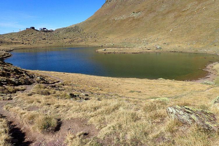 Le Lac d'Astun. Je vais me trouver un coin sympa...