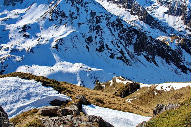 Au Sud, le Val d'Esquierry.