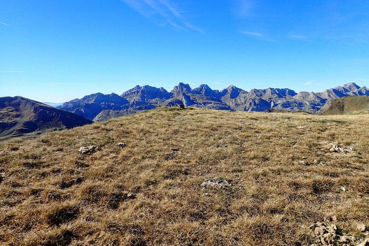 Premier petit sommet sans nom (2280).