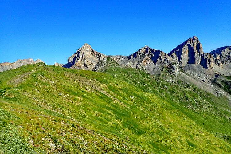 Le Pic de Pétragème avec à droite l'Aiguille d'Ansabère et à gauche, le Mallo de Acherito.