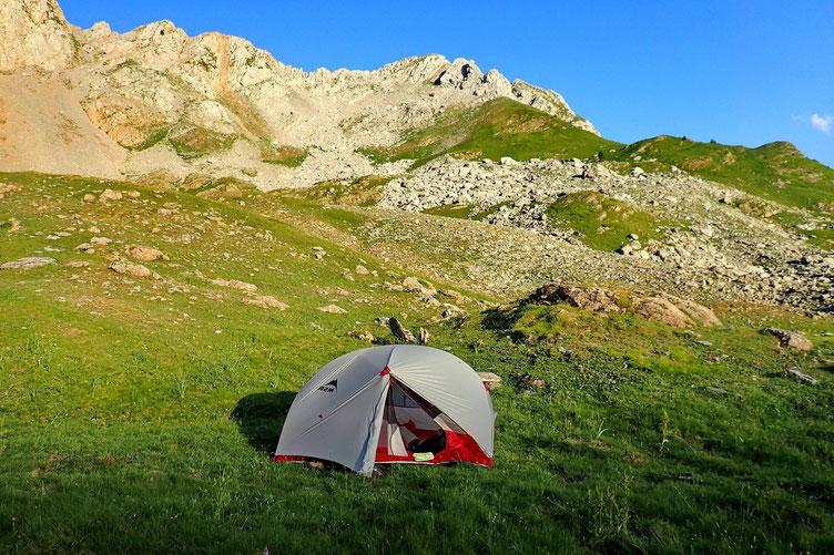 Le montage de la tente est assez simple et rapide.