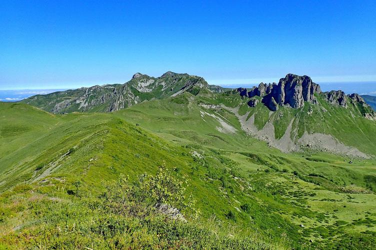 La crête vers le Col des Arques, où je passerai au retour.