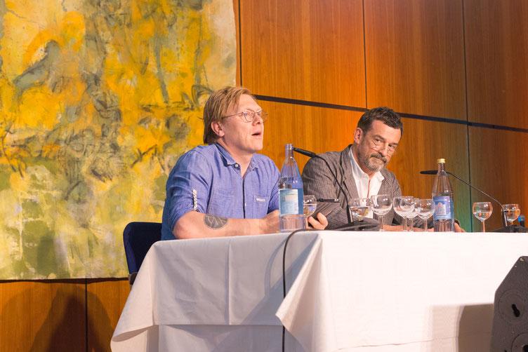 Autor Jón Gnarr und seine deutsche Stimme Thomas Sarbacher beim großen Sprachsalz-Abend. Foto: Denis Mörgenthaler
