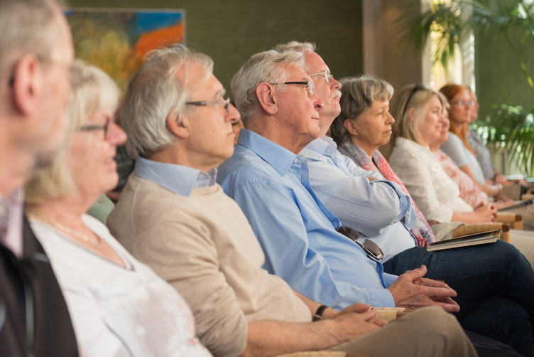 Publikum bei John Burnside. Foto: Denis Mörgenthaler