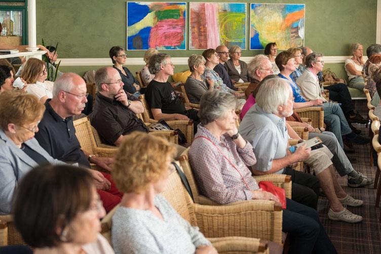 2500 Besucher, während über 40 Lesungen an drei Tagen. Foto: Denis Mörgenthaler