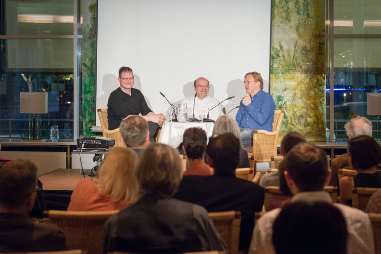 Autor Martin von Arndt, Moderator Alexander Kluy, Autor Jón Gnarr