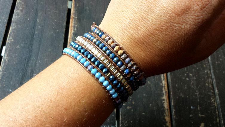 Bracelet manchette wrap WILAN 5 tours bleu et doré perles et cuir