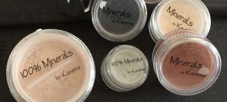 Mineral-Make Up von Kayenne, Puderdosen, Make-Up