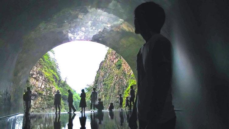 清津峡渓谷トンネル 東京 表参道 渋谷 美容室 プライベート ヘアサロン 三井健司