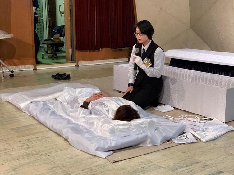 坊主フェスでの納棺体験の写真
