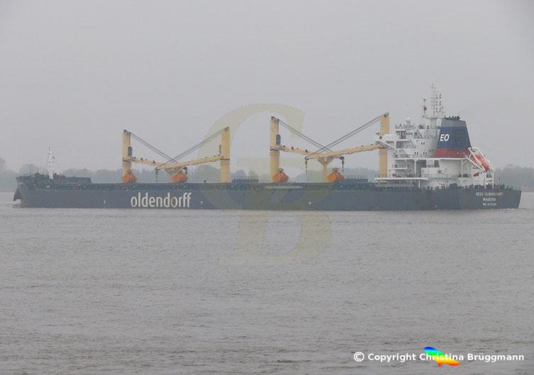 Bulkcarrier GEBE OLDENDORFF auf der Elbe,  05.11.2018