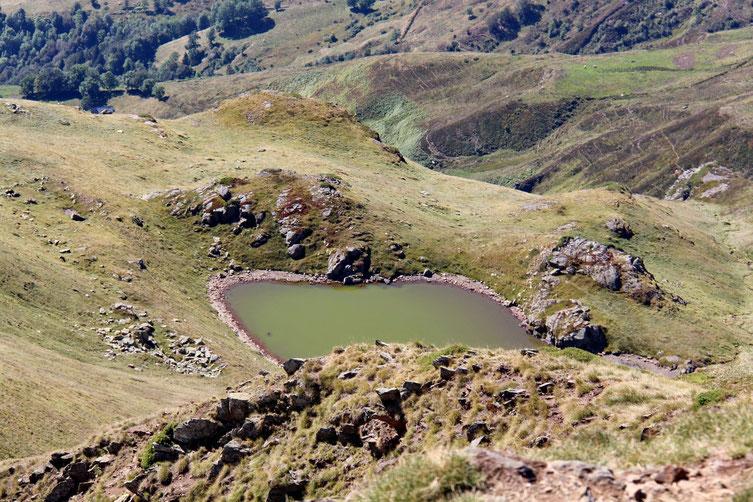 Zoom sur le petit lac d'Anapéou.