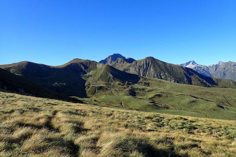J'aperçois le Moun Né (2724m), sommet qui domine la station de Cauterets.