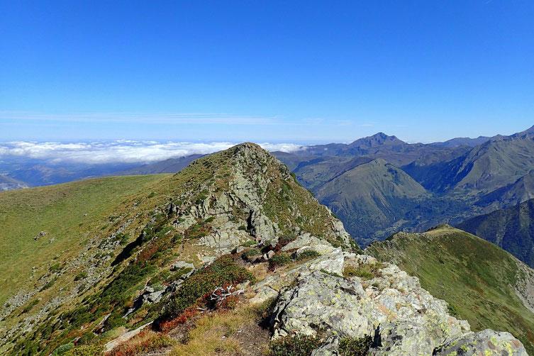 Me voici sur un premier sommet sans nom, le suivant c'est le Soum de Lat Dessus.