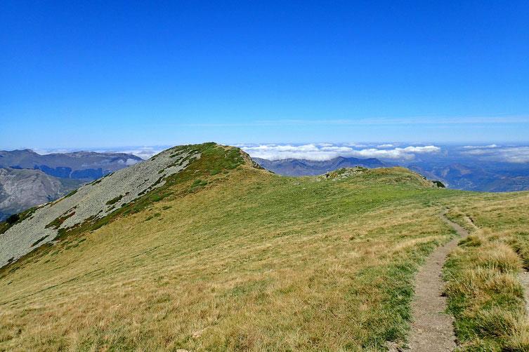 Le dernier petit sommet : le Pic Araillé (2018m).