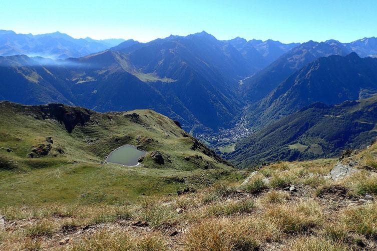 Le petit lac d'Anapéou et en bas, Cauterets.