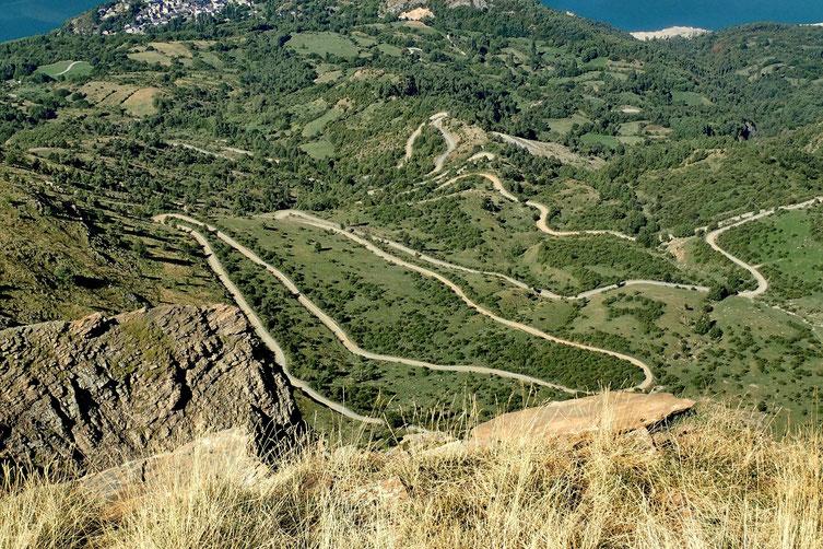 La piste qui monte à la station de ski de Panticosa.