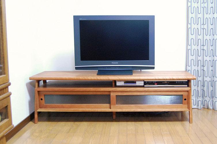 オリジナル定番のテレビボード(横浜市・I様邸)正面