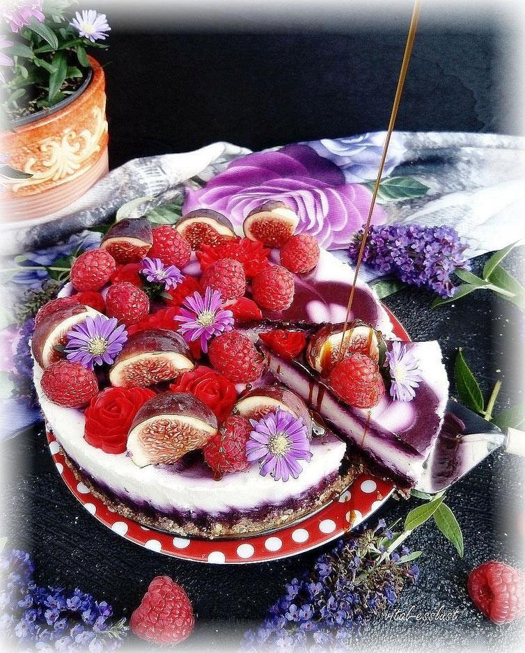 Heidelbeeren, Himbeeren,  Cake, Torte, Feigen, Flieder, Blüten