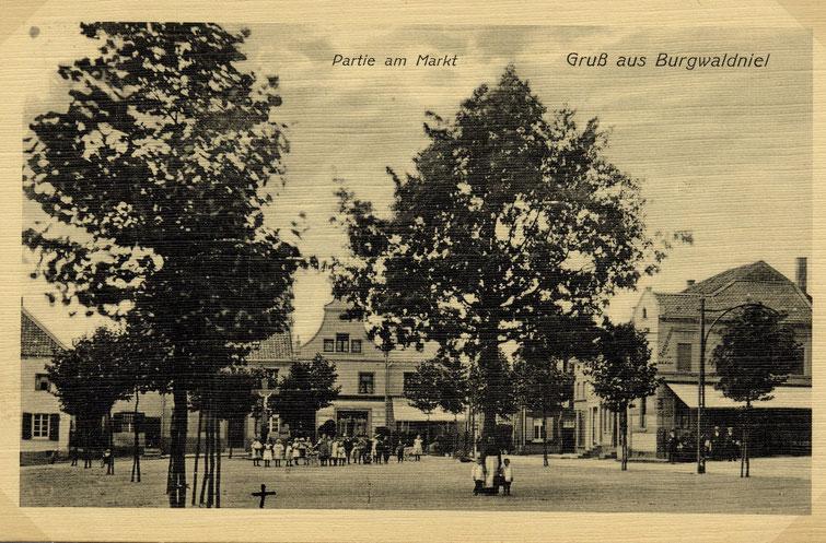 Postkarte vom Markt, Partie am Markt, Gruß aus Waldniel