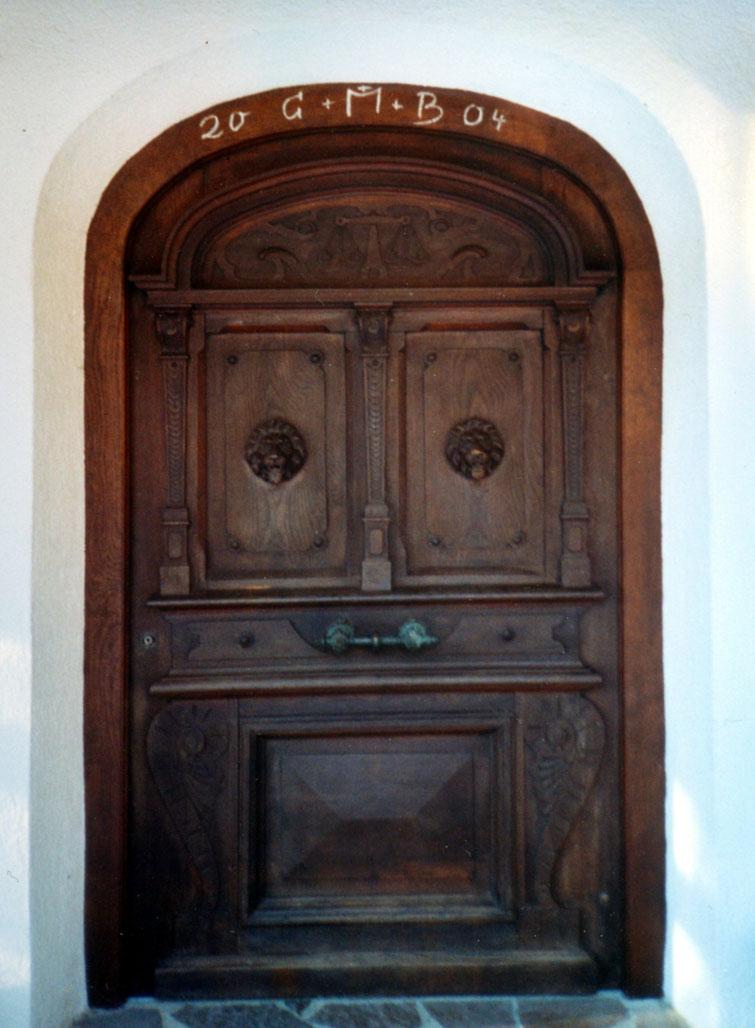 Türe des alten Rathauses