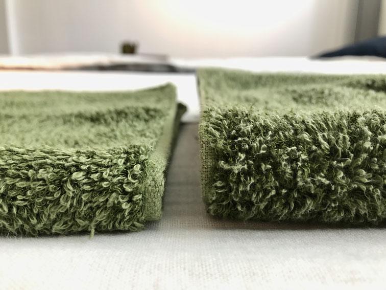 (左)未使用のタオルと(右)洗濯済みのタオル