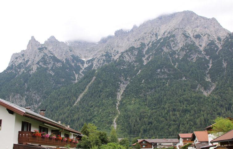 Mittenwald am Fuße des Karwendelgebirges