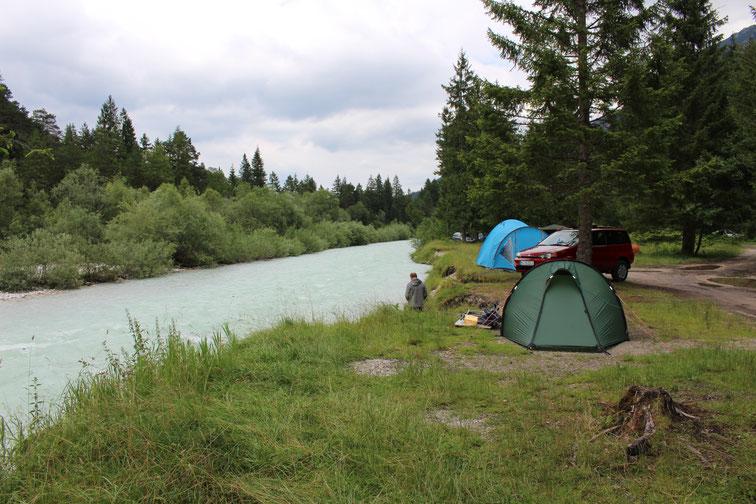Naturcamping Isarhorn, Mittenwald. Wunderschöne Zeltplätze direkt an der Isar
