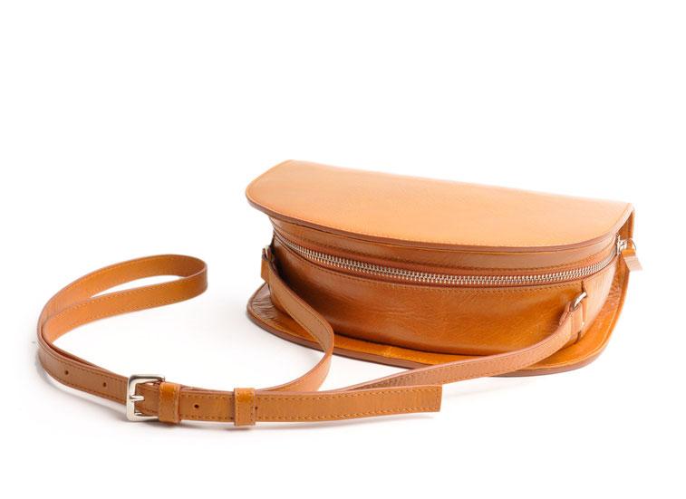Damen Ledertasche Retro Look ZOE cognac Handarbeit  OSTWALD Traditional Craft