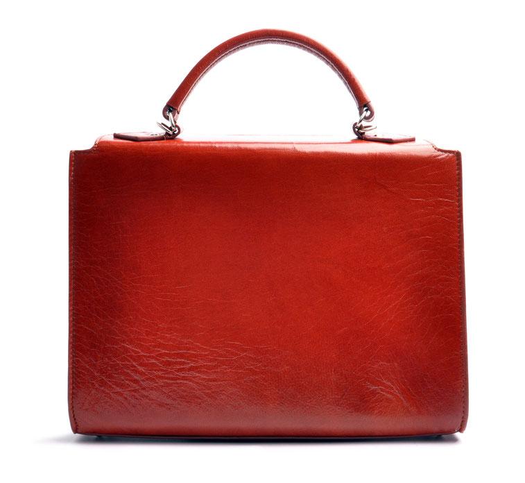 Taschenmodell COLETTE Henkeltasche inkl. Schulterriemen Farbe braun OWA Tracht Ledertasche braun im Vintage-Look versandkostenfrei kaufen Steckverschluss