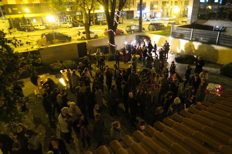 Adventskonzert 2016 - Geselliges Beisammensein im Kirchhof bei Stockbrot und Glühwein