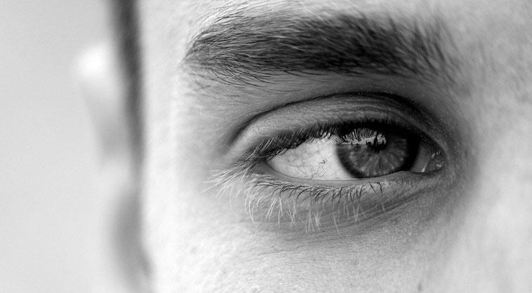 EMDR  ist eine für Traumabehandlungen spezifische sehr wirkungsvolle Therapieform