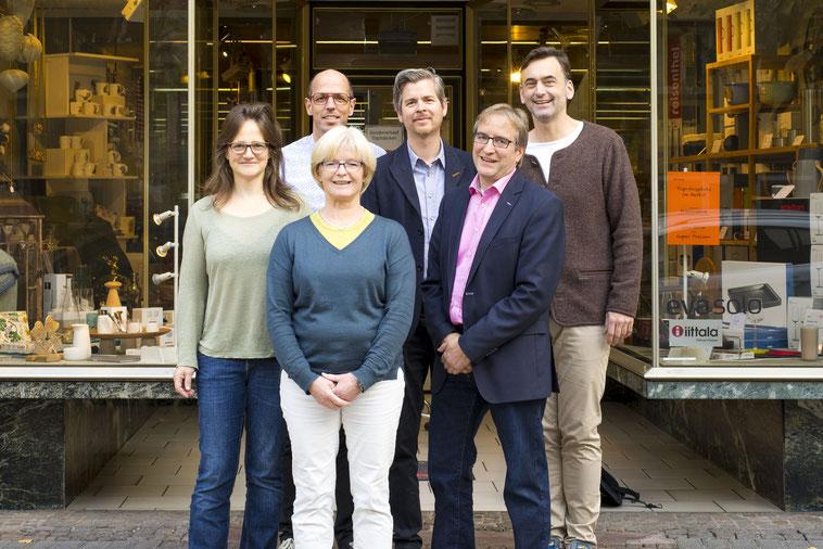 Der neue Vorstand von Friedberg hat's e.V. von links nach rechts: Friederike Herrmann, Dirk Engisch, Eva Reitz, Sven Hollmann, Jens König und Ulf Berger.
