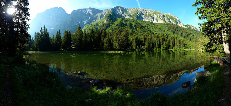 Le lac du Poursollet, massif du Taillefer - Isère