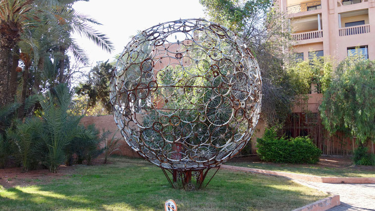 Marrakesch Sehenswürdigkeiten: Skulpturen in der Neustadt
