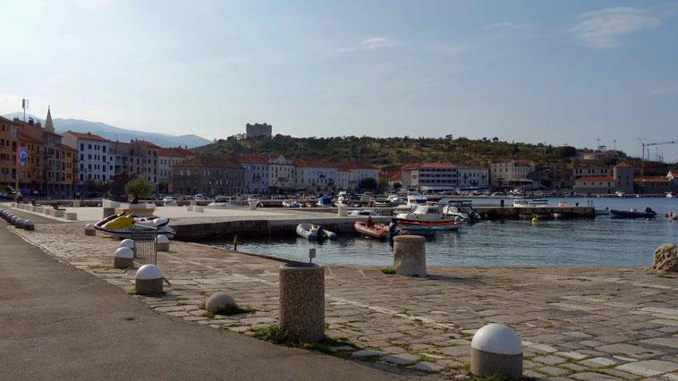Kroatien Küste: Senj. Camping und Sehenswürigkeiten.