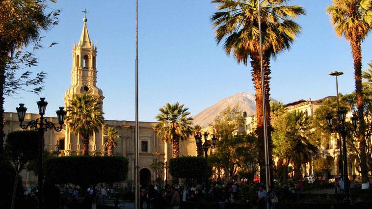 Peru, Arequipa. Reiseberichte und Sehenswürdigkeiten - Plaza de Armas