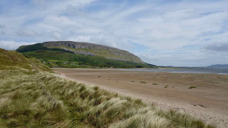 Sligo in Irland: Der Knocknarea bei Strandhill