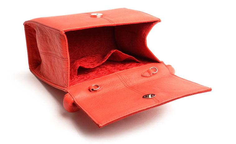 OWA Tracht Dirndltasche aus Leder rot mit wundervollem Innenfutter